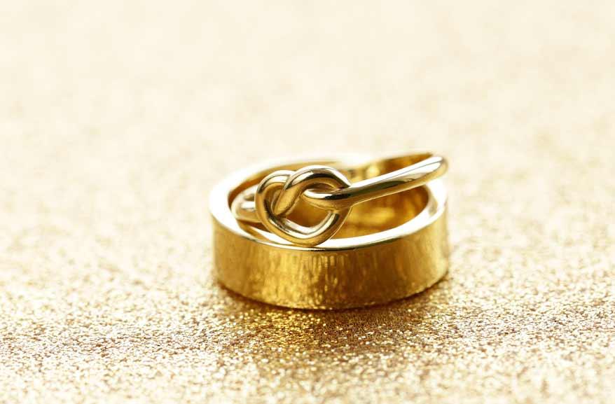 vecchio oro rifuso per fedi matrimonio eco